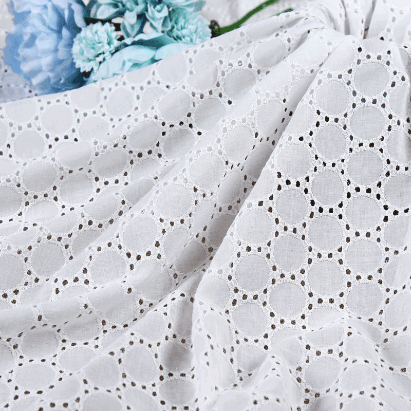 Cotton embroidery fabric Hollow embroidery fabric Fashion fabric Women's dress embroidery fabric