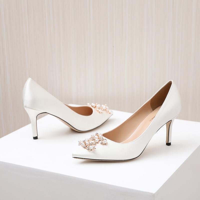 Pointed toe wedding shoes female stiletto pearl buckle 2020 new wedding shoes white wedding shoes hi