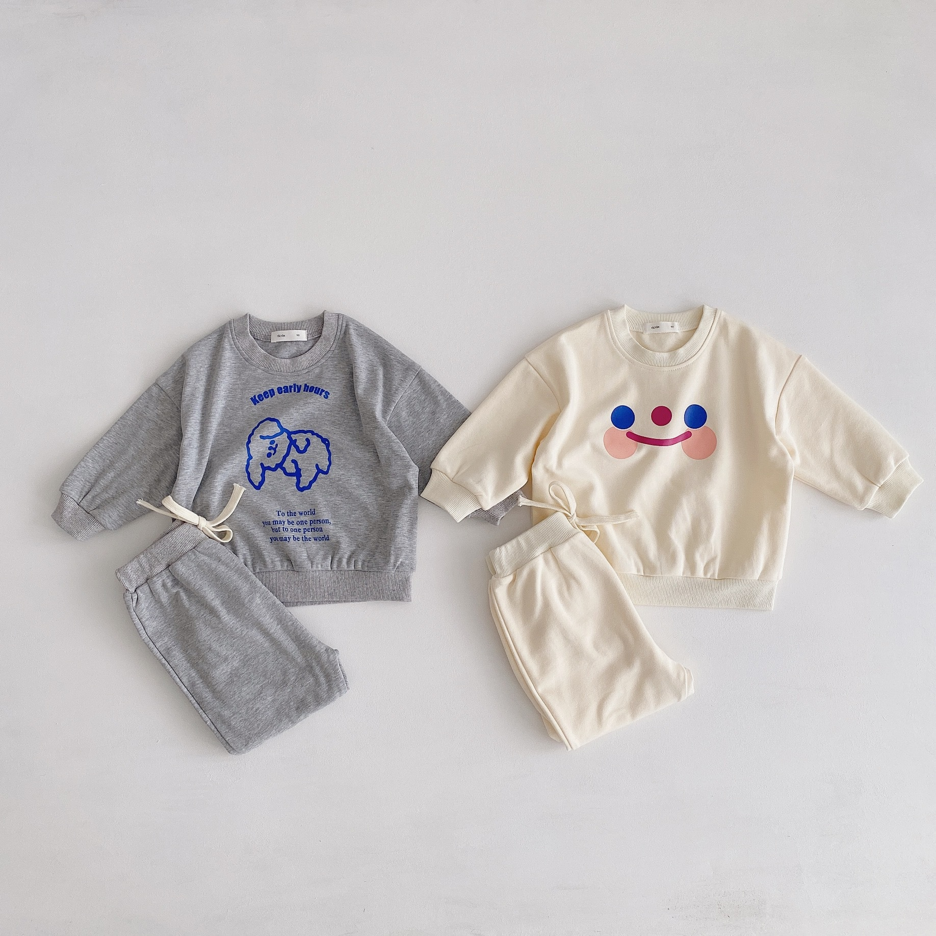Yicyim 2020 autumn new Korean ins wind children's suit baby two-piece cute smiling bear sweater