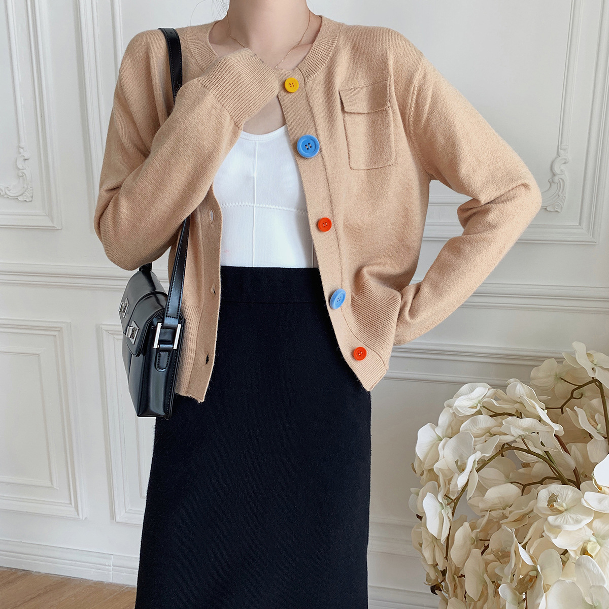 [20 new autumn and winter] Khaki knitted cardigan color flocking button round neck long-sleeved shor