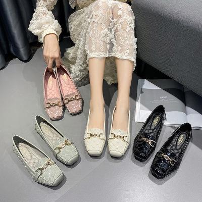 Giày mọi da mũi giày vuông kiểu dáng thời trang cho nữ .