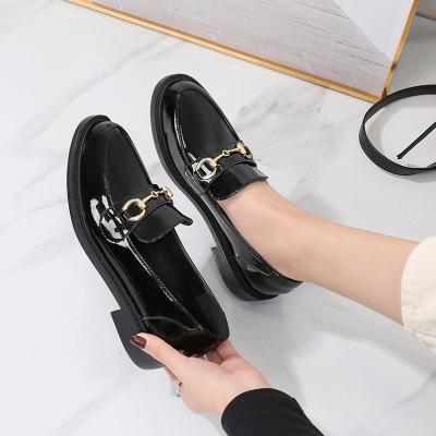 Giày lười Da bóng kiểu dáng sang trọng cho nữ .