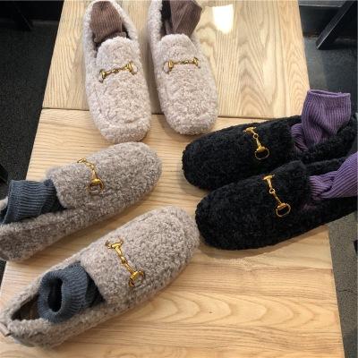 Giày mọi bằng vải nhung giữ ấm kiểu dáng thời trang .