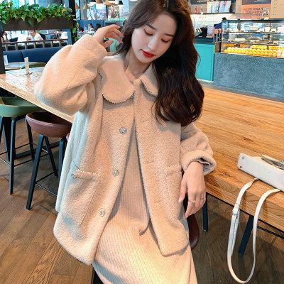 Áo khoác lửng Mùa thu 2020 mới ngọt ngào và nhẹ nhàng gió ngọc trai búp bê cổ áo khoác ngắn áo khoác