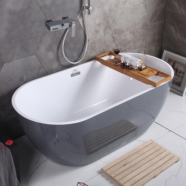 Bồn tắm đơn giản cho Căn hộ nhỏ hiện đại