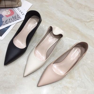 Giày búp bê da mềm một lớp giày cao gót thời trang .