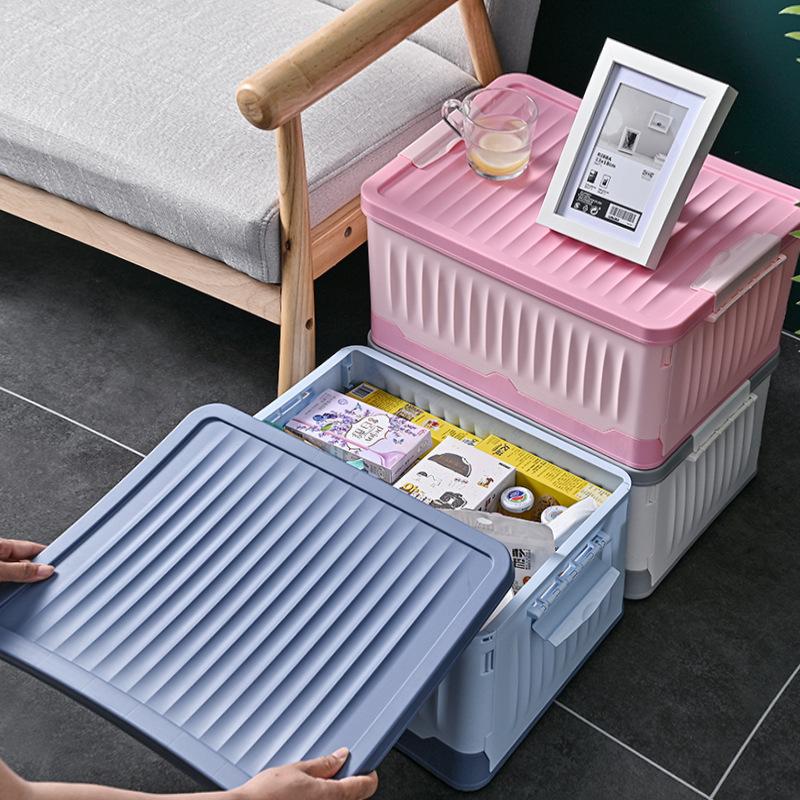 Hộp lưu trữ bằng nhựa có thể xếp chồng lên nhau gọn gàng .