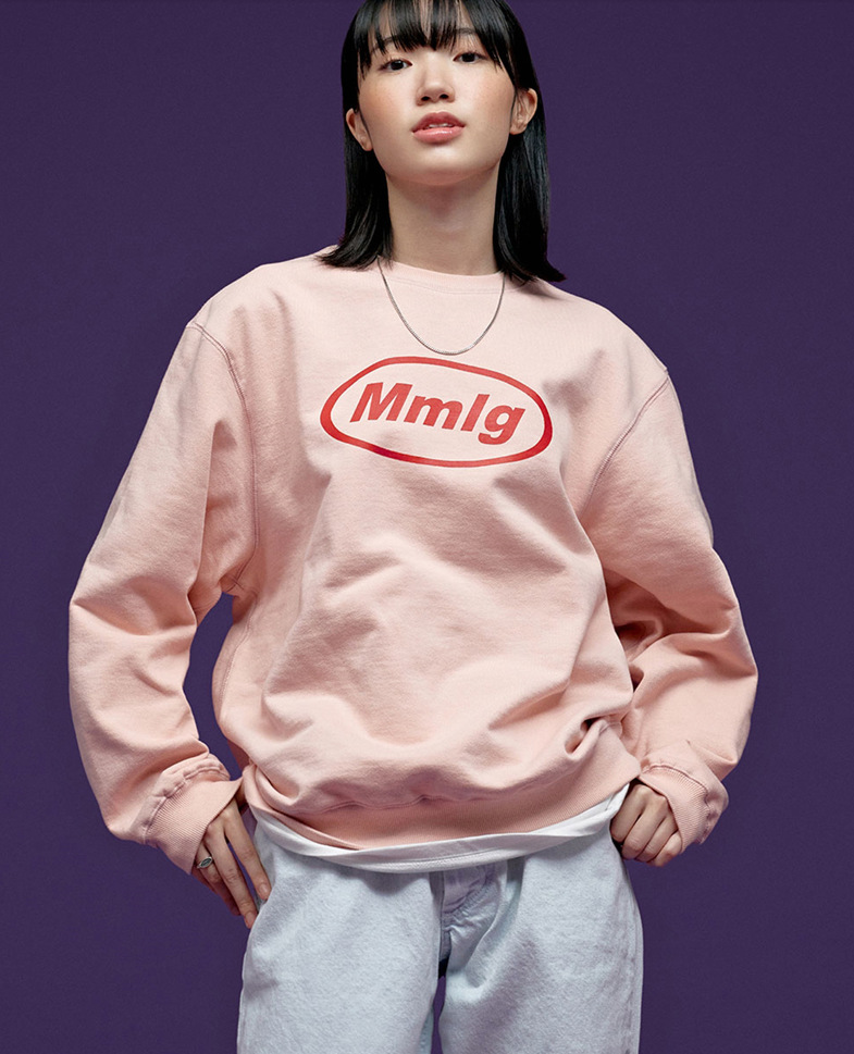 New design and color of Korean designer's crew neck and fleece thickened sweater