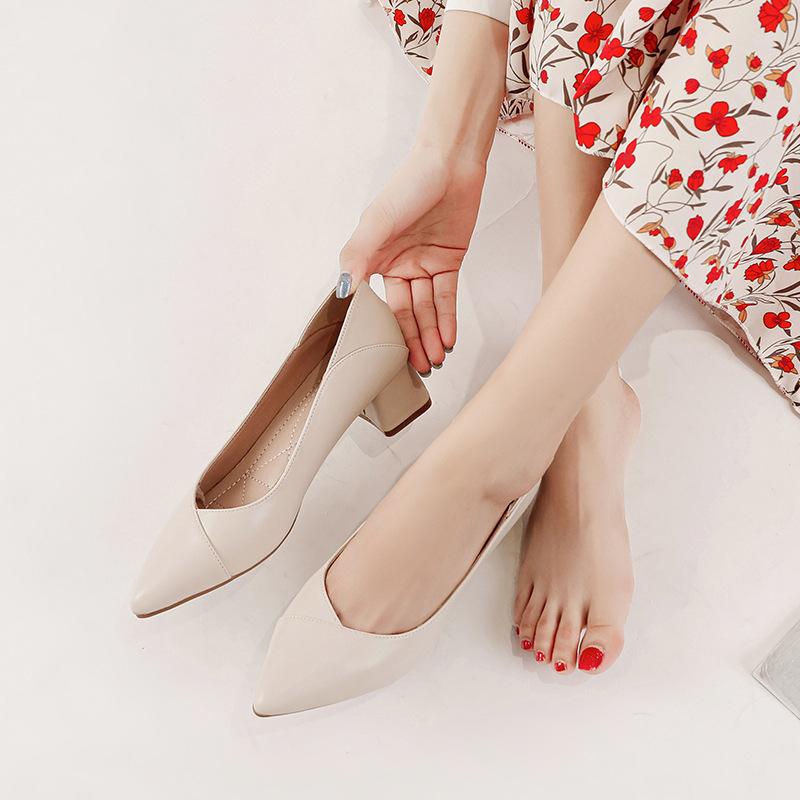 Giày nữ giày cao gót mũi nhọn chất liệu da .