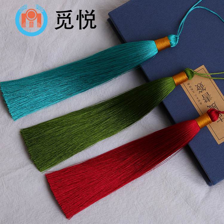 16cm double color tassel, jump color, double color hanging ear, simple atmosphere, smooth handle