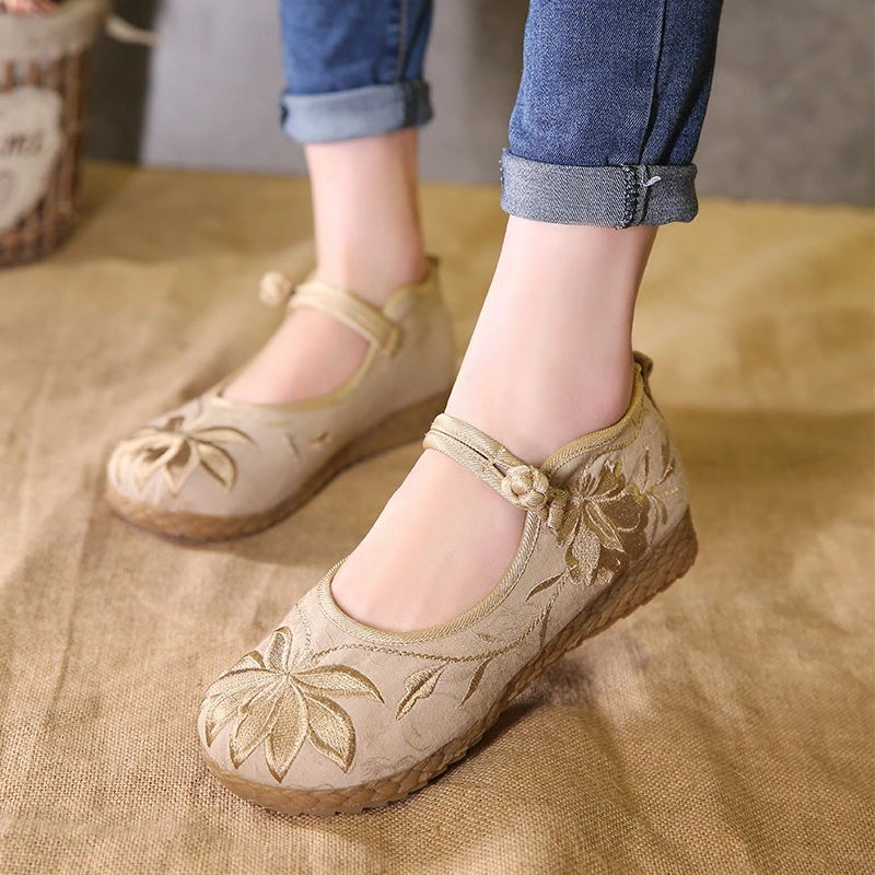 Gongfeilixiu old Beijing cloth shoes comfortable soft soled embroidered women's shoes for middle-ag