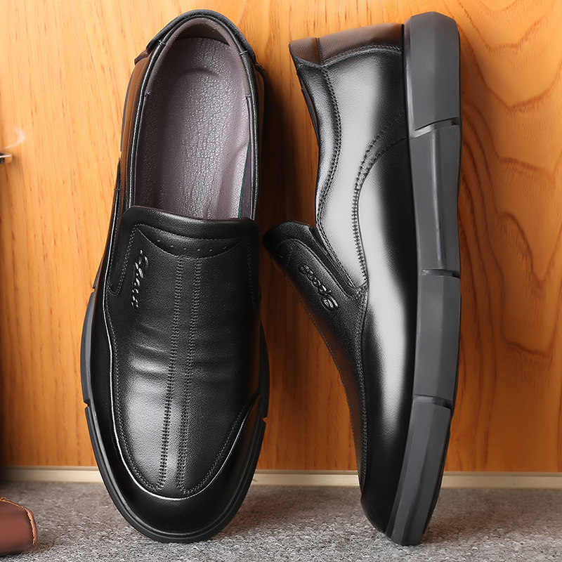 QIANGZU Autumn new style casual shoes soft sole breathable Leather Men's shoes