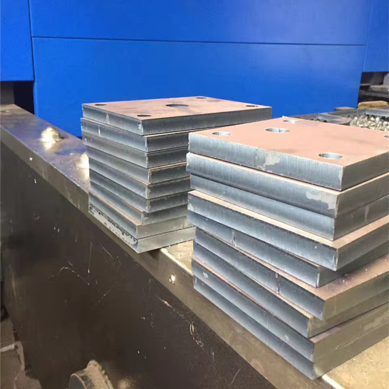 Hot rolled medium thick Q235B steel plate with cutting and drilling, wear resistant bending and easy