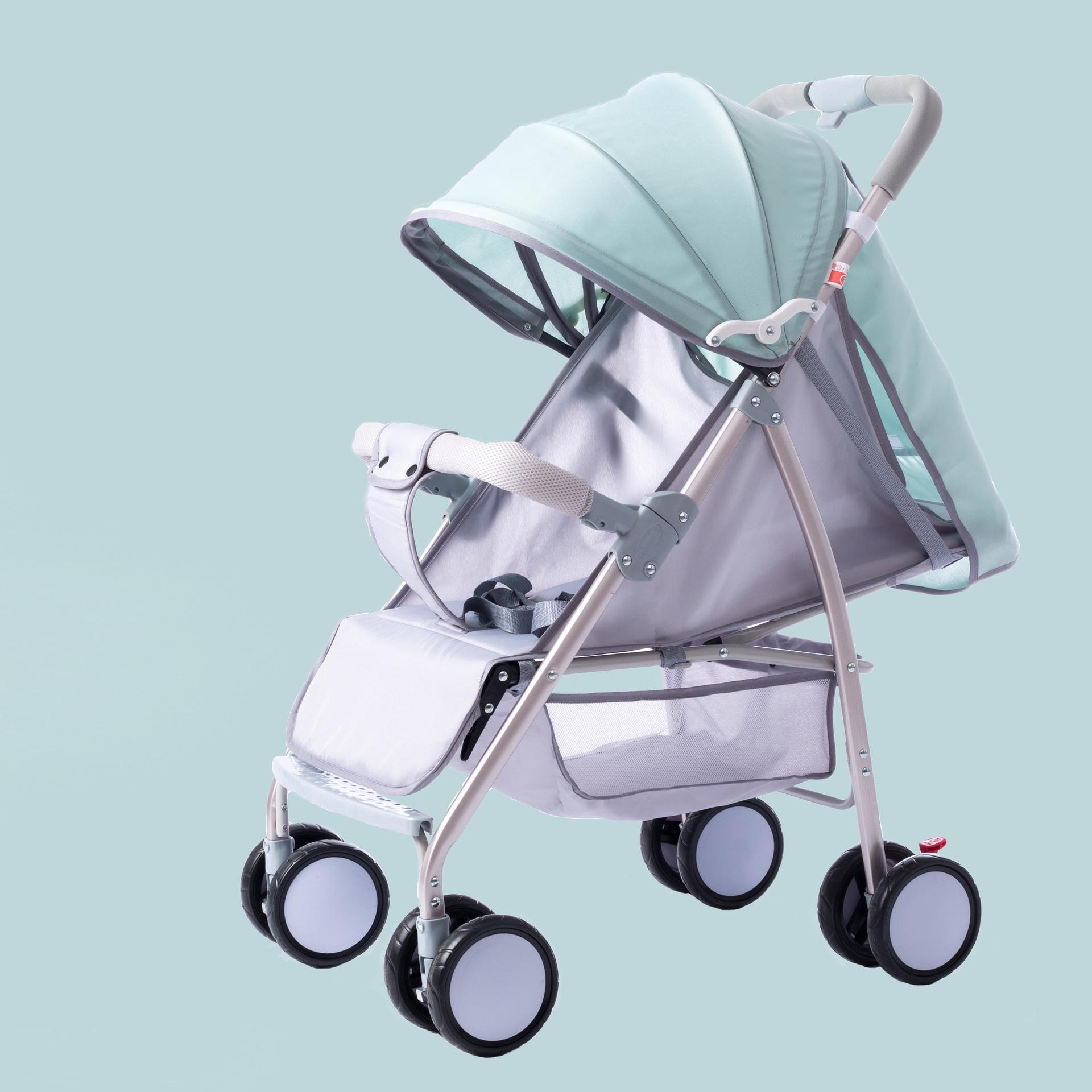 Xe đẩy em bé di động kiểu dễ gấp gọn gàng .