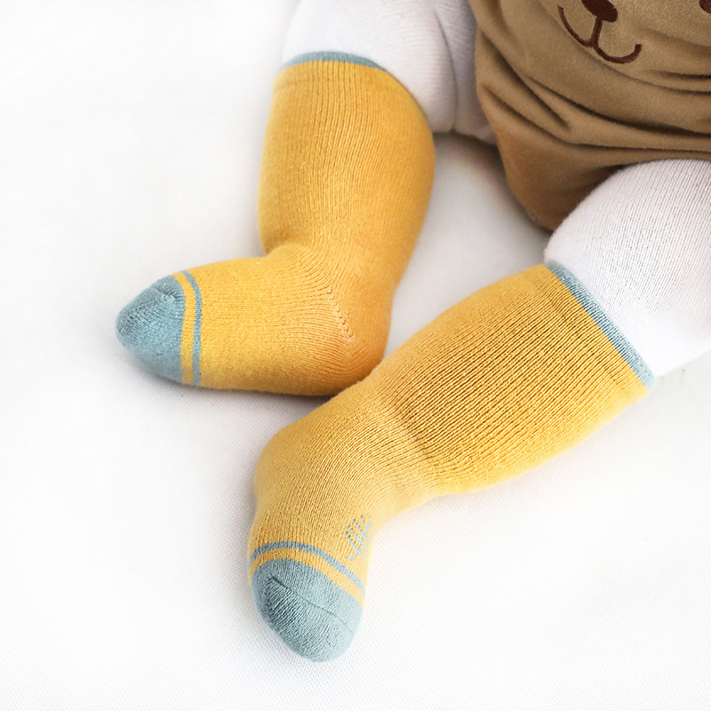 Autumn and winter new Terry thickened baby socks new born men and women middle tube baby socks cotto
