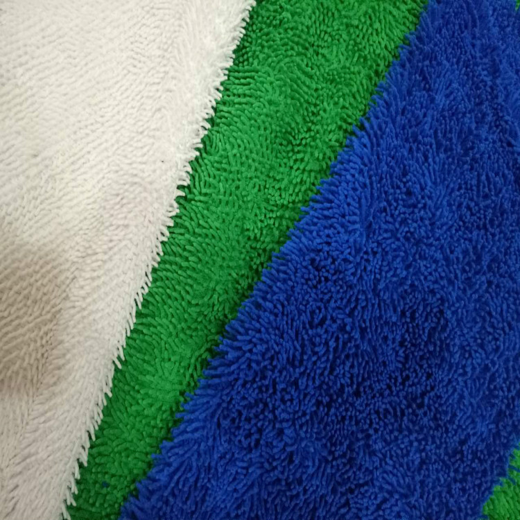 Twisting eco-friendly polyester-cotton dyeing mop flannel towel fabric in stock for autumn and winte