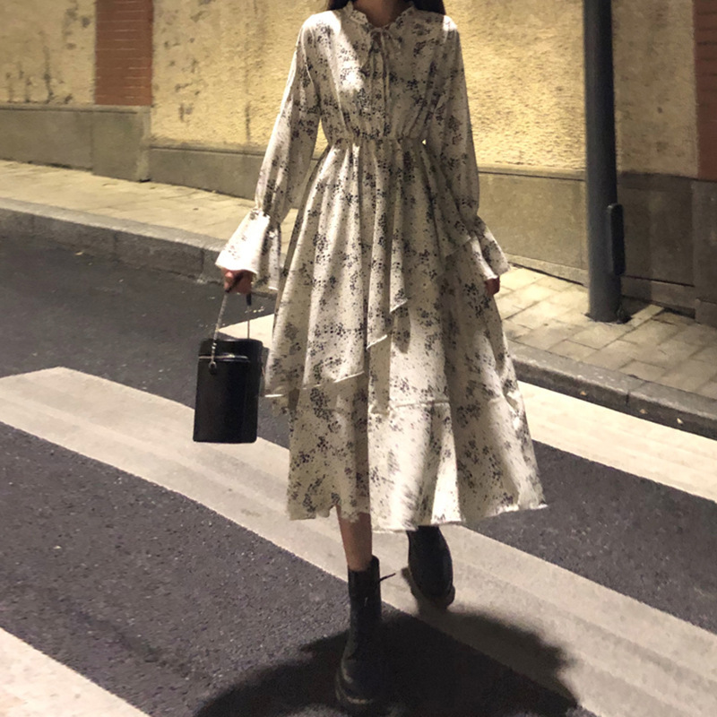 Floral dress tea break skirt French retro niche sense 2021 new early spring and autumn women's dres