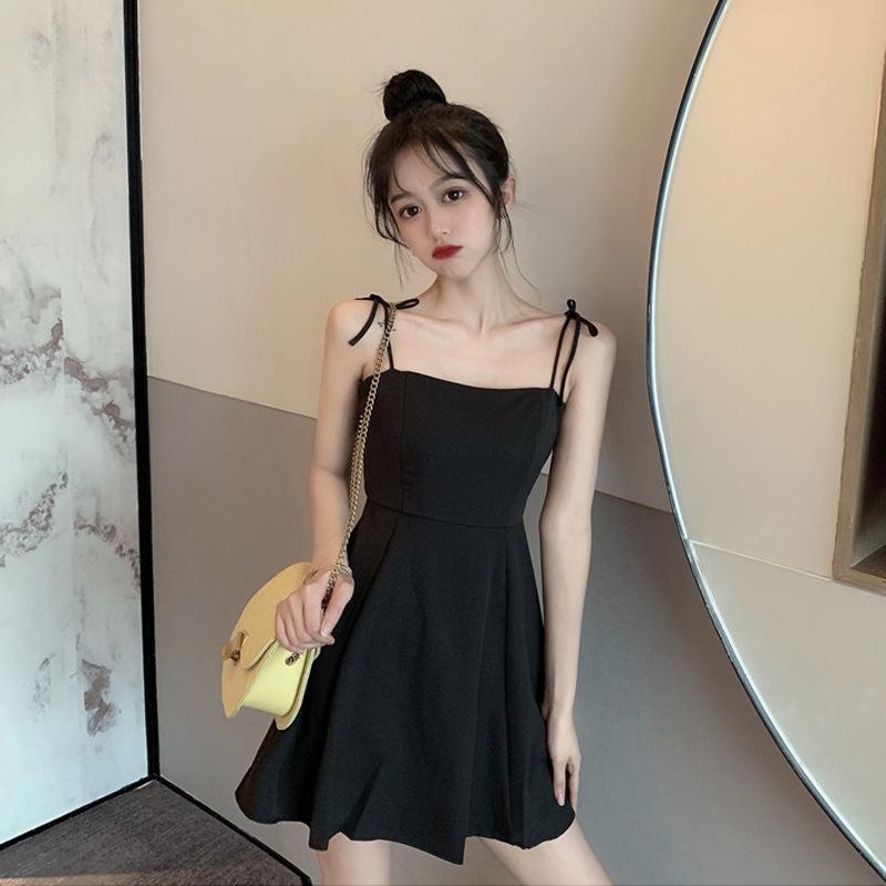 Dress female summer 2021 new small waist slim slimming suspender skirt simple Korean black short ski