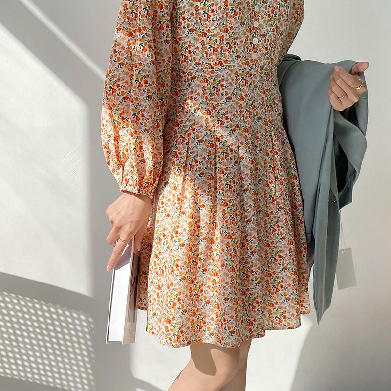 Zhi Chenxi gentle lantern sleeve short dress female 2021 early spring V-neck high waist floral chiff