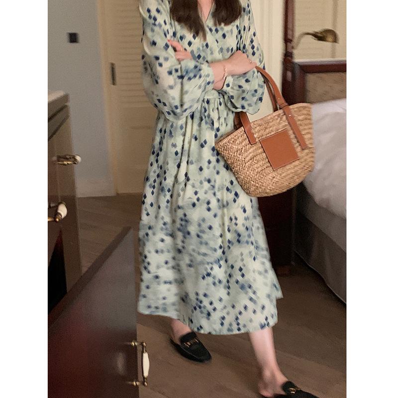 2021 early spring bi-prepared slim V-neck floral dress (diamond/blue flower) mid-length elegant wome