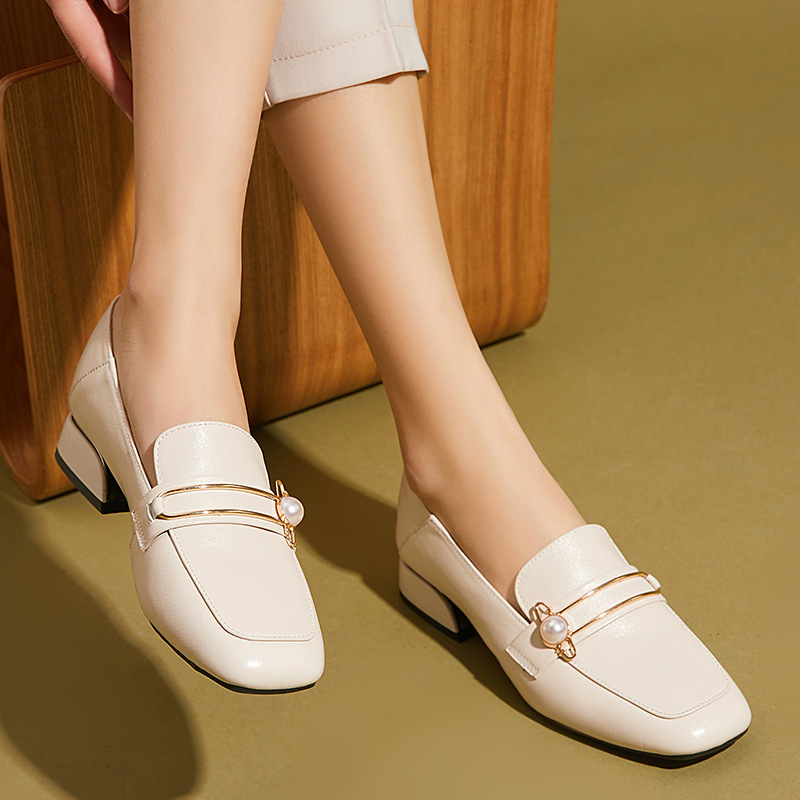 Single shoes women's spring 2021 new loafers women's leather large size small leather shoes women\