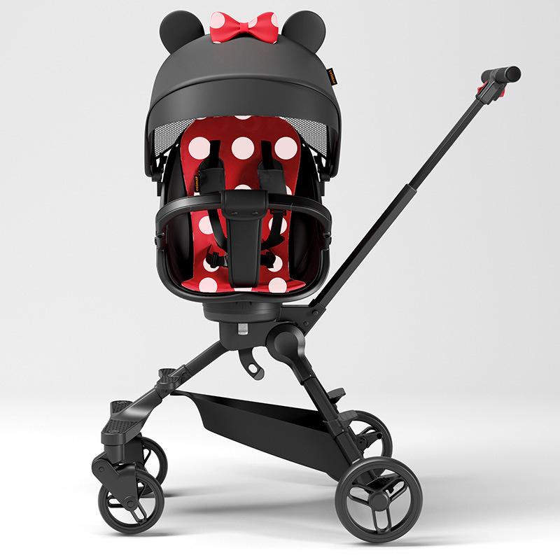 Xe đẩy cho bé đi dạo phố có thể gấp gọn nhẹ nhàng .