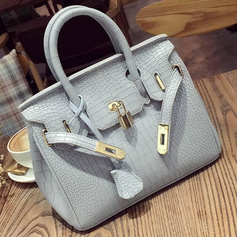 2020 new European and American atmosphere fashion platinum bag fashion shoulder messenger portable f