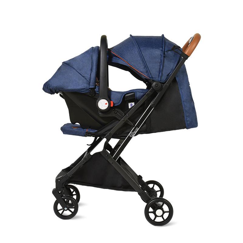 Xe đẩy em bé sơ sinh nhẹ, có thể gấp lại .