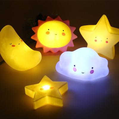 LED small night light creative bedroom wake up light baby feeding bedside night light ins explosive