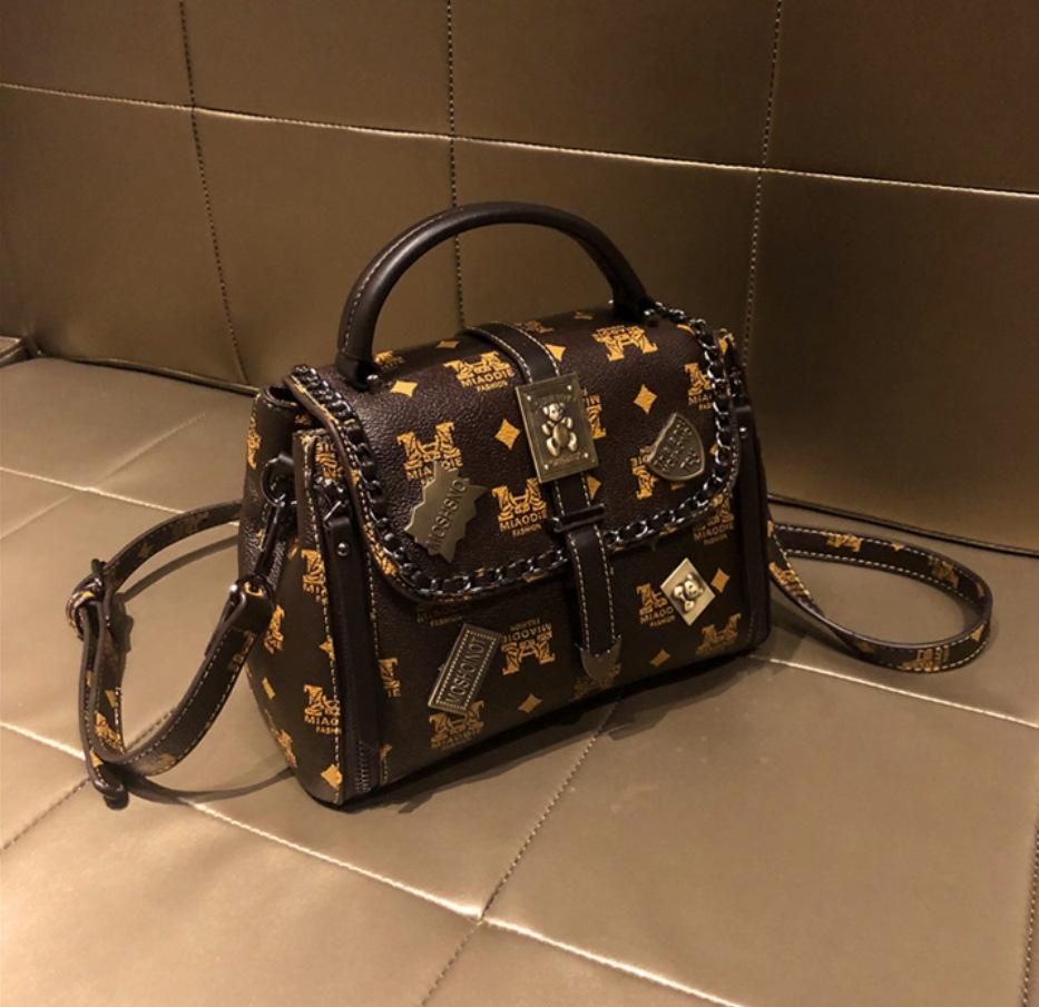 2021 Hong Kong Brand Purchasing Genuine Leather Bag Women's Bag 2020 New Retro Portable Fashion One