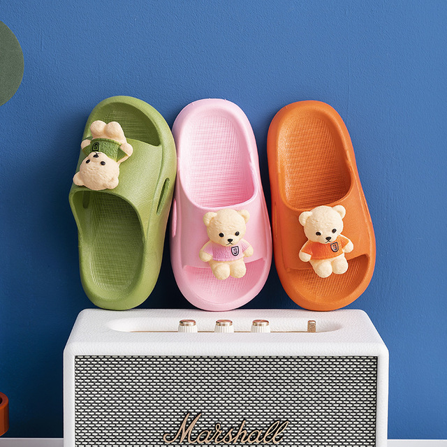 Cute children's slippers, girls and boys, indoor and outdoor wear in the bathroom, bathing, non-sli