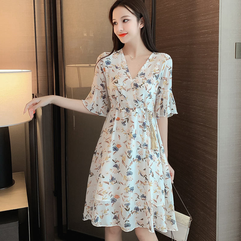 French chiffon dress women's 2021 new summer short, fashionable temperament is thin floral skirt