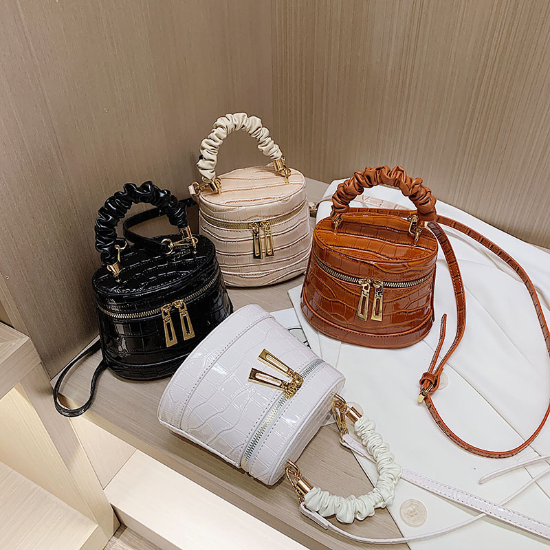 Mini bucket bag 2020 autumn and winter new ins chain box bag shoulder messenger portable western sty