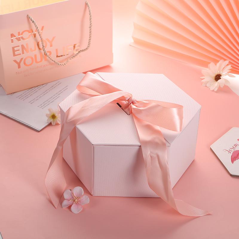 Valentine's Day Gift Box Hexagonal Gift Box Gift Box Birthday Gift with Hand Gift Lipstick Packagin