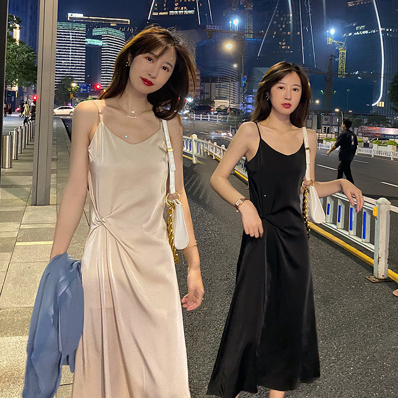 Sling dress women's 2021 new summer dress fashion is thin and waist tri-acetate satin temperament l