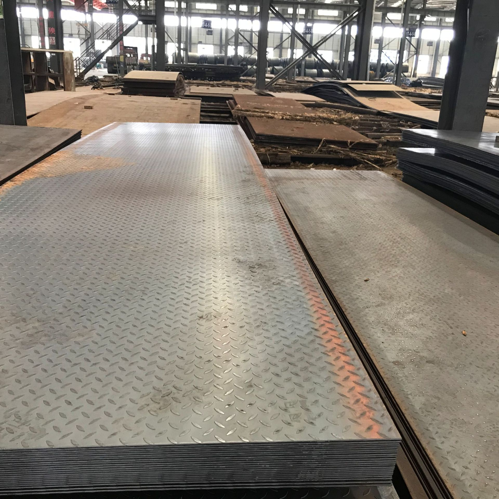 Ordinary hot-rolled steel plate to length and flat medium and heavy plate