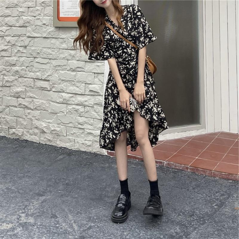 Floral dress mid-length women's 2021 new summer waist slimming design irregular short-sleeved skirt
