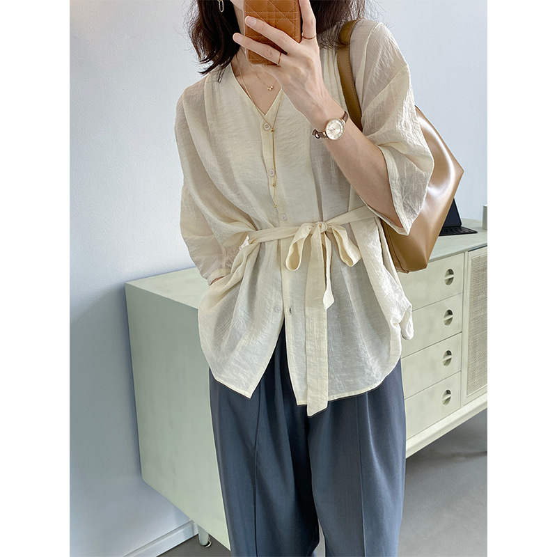 Taochuan blogger lazy solid color lace-up shirt women 2021 summer Korean version of loose French V-n