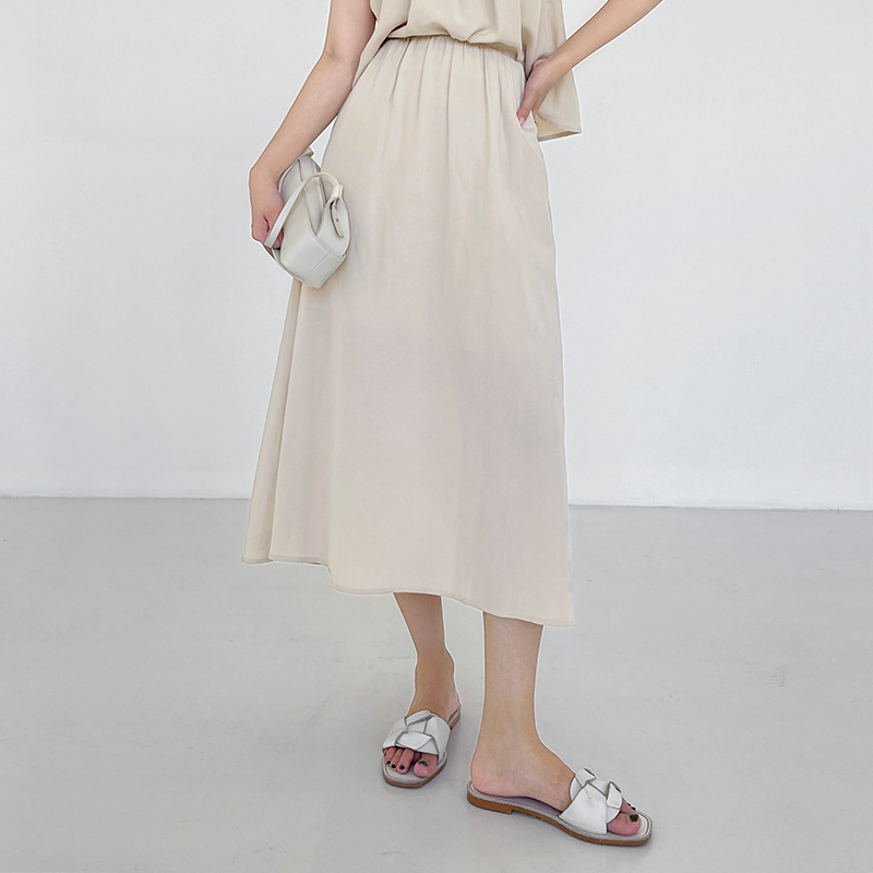 COLINE2021 summer new Korean version of the simple temperament skirt ins high waist thin pleated mid