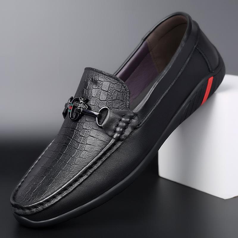 Autumn new leather men's shoes peas shoes men's casual shoes one-pedal driving black breathable no