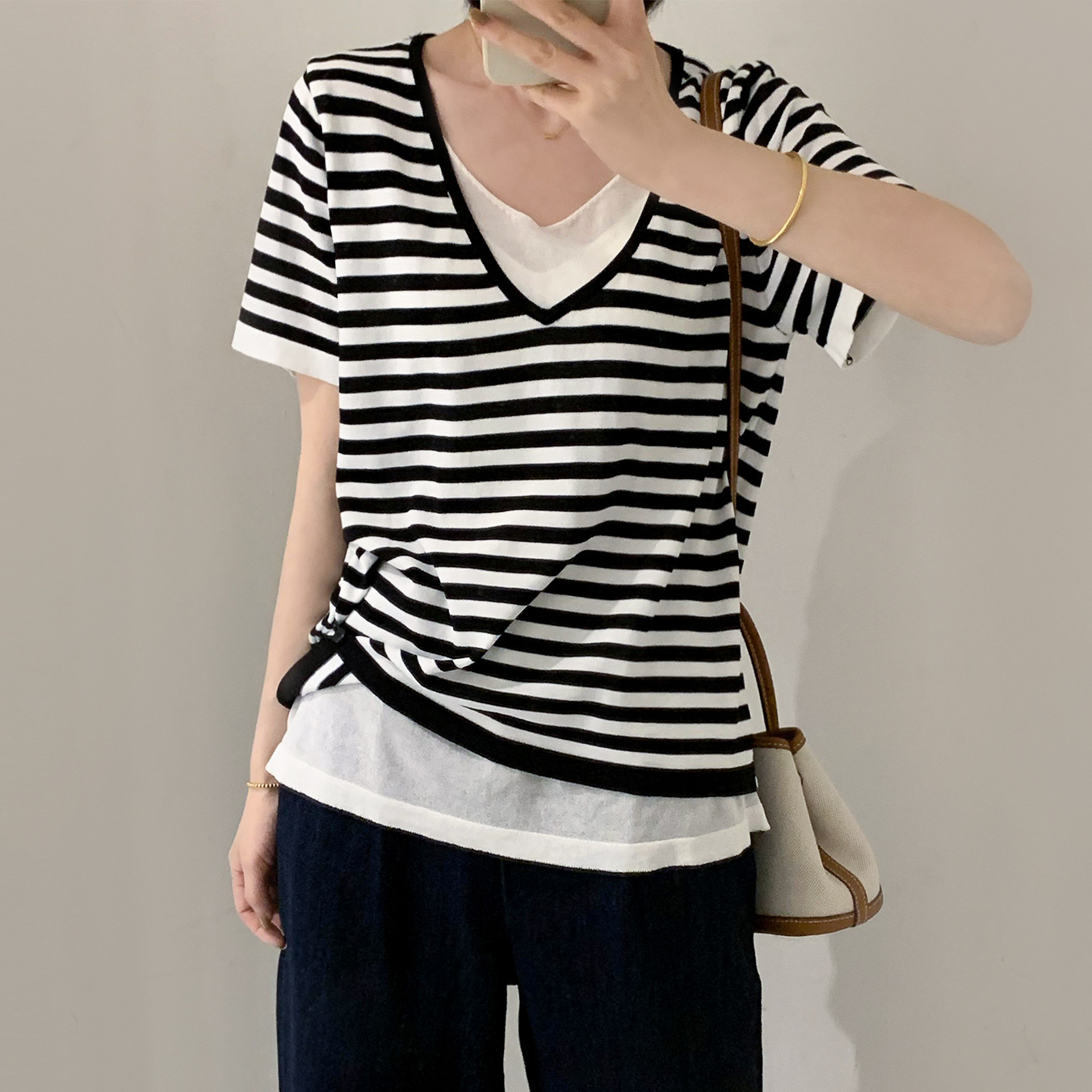 Yanshuang 2021 summer new style V-neck striped fake two-piece small shirt thin knit sweater female i